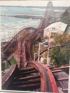 Crystal Beach (The Comet). Abandoned Castles, Abandoned Mansions, Abandoned Buildings, Abandoned Places, Abandoned Amusement Parks, Abandoned Theme Parks, Great Places, Places To See, Scary Roller Coasters
