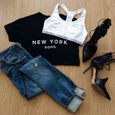 Black t-shirt and blue jeans