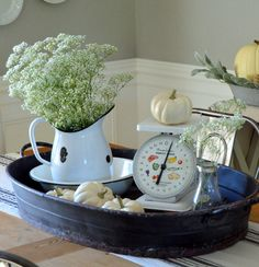 Made in the USA from the 1950's to the 1970's, this American Family food scale was a staple in every cottage kitchen! It's easy to see why it was so popular, wi