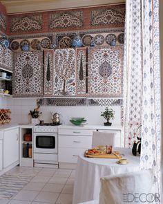 Elle Decor December 2006 Iskel's Paris kitchen {style court: DBD 2007 Wrap-Up} (Chicken Cacciatore Spices) Decor, Home, Kitchen Remodel, Kitchen Decor, Paris Kitchen, Bold Kitchen, Home Kitchens, Bohemian Kitchen, Kitchen Remodel Design