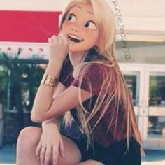 Carly may apear to be girly, but she is really a tomboy/Hipster 14 year old girl who has a passion for drawing. Punk Disney, Disney Girls, Disney Magic, Disney Art, Disney Movies, Disney Rapunzel, Princess Rapunzel, Repunzel Tangled, Disney And Dreamworks