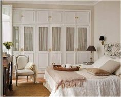 make closet doors look like built ins – genius! Closet Bedroom, Home Bedroom, Master Bedroom, Bedroom Decor, Bedrooms, Bathroom Closet, Home Room Design, House Design, Cottage Shabby Chic