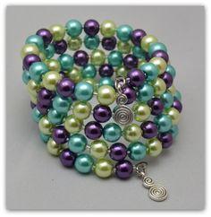 Bracelet fil mémoire nacré violet turquoise et vert anis : Bracelet par bijoux-nadou