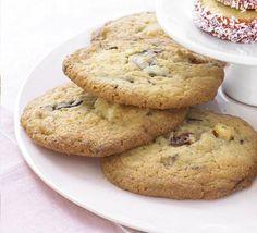 Gooey chocolate cherry cookies