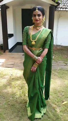 Indian Bridal Outfits, Indian Bridal Fashion, Indian Fashion Dresses, Kerala Saree Blouse Designs, Bridal Blouse Designs, South Indian Bride Saree, Kerala Bride, Saree Wedding, Indian Wedding Sarees