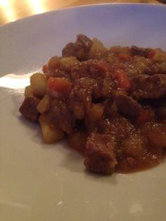 Lins Blogg: Oppskrift Lins gammeldagse brune lapskaus Kiwi, Beef, Food, Meat, Ox, Ground Beef, Meals, Steak
