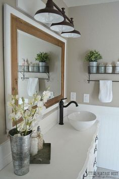 Littlevintagenest.com Farmhouse bathroom