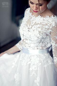 Robe de mariée / / Charline par CarouselFashion sur Etsy