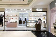 새로 단장한 끌로에 (chloe) 를 갤러리아 명품관 EAST 3층에서 만나보세요.