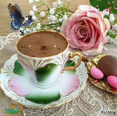 Good morning it's coffee time ~. Good Morning Gift, Good Morning Coffee, Coffee Break, Coffee Coffee, Bon Mardi, Chocolate Caliente, Sweet Coffee, Coffee Images, Tea Cup Set