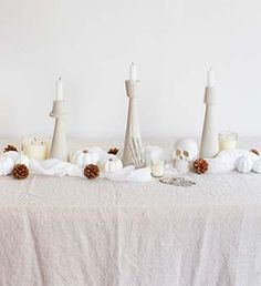 How to set a white Halloween table @simplyorganic
