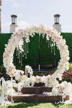 19 Super Ideas for wedding arch pink chuppah Wedding Ceremony Ideas, Wedding Stage, Ceremony Backdrop, Mod Wedding, Ceremony Decorations, Wedding Centerpieces, Trendy Wedding, Backdrop Ideas, Wedding Arches
