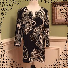 """Emma James  Tunic Excellent condition!!!  """"V"""" neckline with black accent buttons. 4"""" Side vents. Paisley and Floral design. Priced to sell!!!  Bundle and save $$$ Emma James Tops Tunics"""