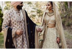 Sikh Bride and Groom. Always loved this color combo Sikh Bride, Indian Bride And Groom, Punjabi Bride, Punjabi Wedding, Desi Wedding, Punjabi Couple, Wedding Ideas, Wedding Goals, Wedding Inspiration