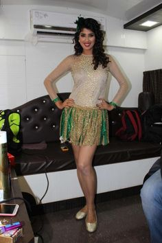 Hindi TV Actress Aishwarya Sakhuja Long Legs Show In Green Skirt
