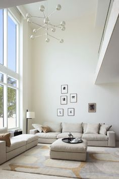 All time best Interior painting of living room,Interior paint colors to sell your home 2018 uk and Interior paint colours for living room. Living Room Paint, Home Living Room, Living Room Designs, High Ceiling Living Room, Living Room Lighting, Best Interior, Home Interior Design, High Ceiling Decorating, Sala Grande