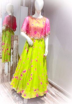 Cape dress indian - has become the women and girls most favorite style statement to look stylish with the charming traditional look These classy yet trendy kurtas are so comf Long Gown Dress, Frock Dress, Cape Dress, Long Frock, Dress Skirt, Long Gowns, Jacket Dress, Frock Design, Long Dress Design