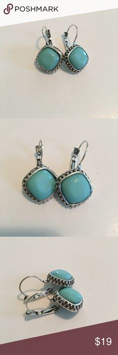 💕💕Turquoise Earrings Simulated Turquoise Earrings , Silver Tone , Great Pop Of Color For Summer !!! NWOT 💕💕 Boutique Jewelry Earrings