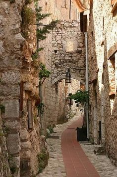 A twisty street, Eze, France.
