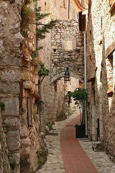 A twisty street, Eze, France.