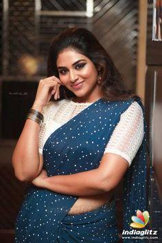Hot Images Of Actress, Indian Actress Hot Pics, Tamil Actress Photos, Indian Actresses, Beautiful Girl Photo, Beautiful Girl Indian, Most Beautiful Indian Actress, Beautiful Actresses, Beautiful Saree