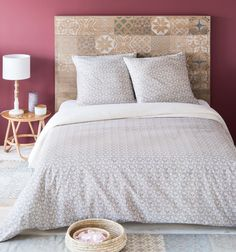 Textile on Maisons du Monde. Take a look at all the furniture and decorative objects on Maisons du Monde. Bed Spreads, King Size, Bedding Sets, My House, Duvet Covers, Print Patterns, Floral Prints, Colours, Interior