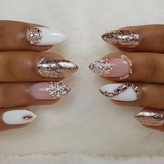 Popular Ideas of Christmas Nails Designs To Try in 2019 - Christmas Nail Art Designs Xmas Nails, Holiday Nails, Fun Nails, Nail Art Rhinestones, Rhinestone Nails, Nails Kylie Jenner, Nagellack Trends, Christmas Nail Art Designs, Nail Trends