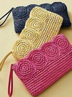 -----Bossa de mà amb ràfia-----Crochet Paper Straw Clutch__Discover your new look at Talbots. Shop our Crochet Paper Straw Clutch for stylish clothing and accessories with a modern twist at Talbots Weitere Informationen erhalten Sie in der Post. Crochet Clutch Bags, Crochet Pouch, Crochet Diy, Crochet Handbags, Crochet Purses, Crochet Gifts, Crochet Bags, Booties Crochet, Crochet Ideas
