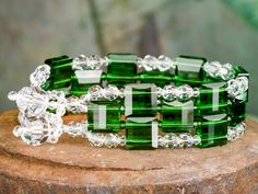 Emerald City Bracelet TUTORIAL Love the square crystals Try using memory wire instead of stitching, or use 3 separate memory wire rings, connect at each end to make it a cuff