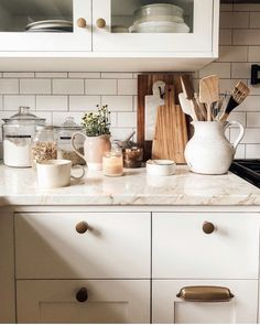 Small kitchen: 70 functional ideas of decoration and projects - Home Fashion Trend Layout Design, Kitchen Dining, Kitchen Decor, Cozy House, Home Decor Inspiration, My Dream Home, Home Kitchens, Sweet Home, House Design