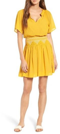 Yellow Fashion Trends for Spring 2017 Spring Fashion Trends, Fashion 2017, Fashion Outfits, Fashion Clothes, Latest Fashion, Winter Fashion, Knee Length Dresses, Short Sleeve Dresses, Yellow Fashion