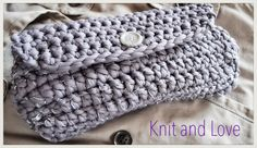 BOLSO TRAPILLO CON SOLAPA / Knit and Love