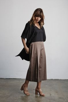 Vetta Capsule SS16 The Blouse + The Culottes + The Vest #vettacapsule #ss16 #capsulewardrobe #fashion #travel #ootd #style www.vettacapsule.com