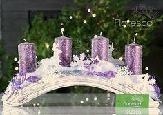 Adventní svícen na proutěném obloukovém základě. Květinářství Floresco  Vyrobila Šárka Pleskačová