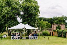 #real #wedding #bruiloft #ceremonie #chairs #outdoor #exclusief | Trouwen op Buitenplaats Amerongen | ThePerfectWedding.nl