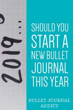 New Year Bullet Journal Layouts and Ideas - Bullet Journal Tips and Tricks For New Year - Bullet Journal New Year Ideas Bullet Journal Yearly Spread, Bullet Journal Index, Bullet Journal Quotes, Journal Fonts, Bullet Journal Tracker, Bullet Journal 2019, Bullet Journal Printables, Bullet Journal How To Start A, Bullet Journal Themes