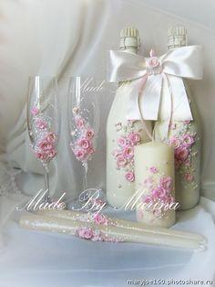 Свадебные наборы. бокалы 1300р, декор 2 бутылок 2000+стоимость шампанского,3 свечи 750р (Свадьбы)