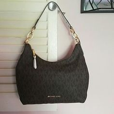 Michael Kors Handbags - SALE-Michael Kors purse--- NWT