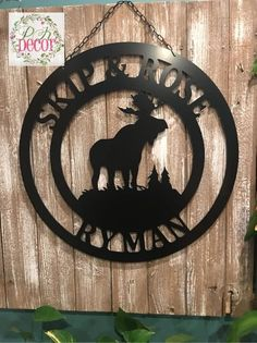 PK Decor offers a large variety of door hangers and acm metal monogram decor. We make decorating your front door or gift giving easy with lots of home decor! Painting For Kids, Painting On Wood, Side Wall, Custom Metal, Foyers, Paint Party, Door Signs, Garages, Woodworking Ideas