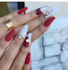 Perfect Red Acrylic Nails You Must Try Red Acrylic nails are the most effective ever. Red has numerous totally different nail styles. Red acrylic nails are excellent each for parties and busi Red Acrylic Nails, Acrylic Nail Designs, Nail Art Designs, Nails Design, Prom Nails, Bling Nails, Bling Nail Art, Fabulous Nails, Gorgeous Nails