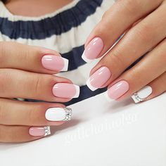 False nails have the advantage of offering a manicure worthy of the most advanced backstage and to hold longer than a simple nail polish. The problem is how to remove them without damaging your nails. Marriage is one of the… Continue Reading → Pretty Nail Designs, Pretty Nail Art, Nail Art Designs, Nails Design, Bridal Nails, Wedding Nails, Wedding Art, Green Wedding, Gel Nail Art