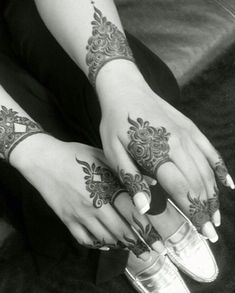 henna, mehndi, and mehendi afbeelding.. ❤❤♥For More You Can Follow On Insta @love_ushi OR Pinterest @ANAM SIDDIQUI ♥❤❤