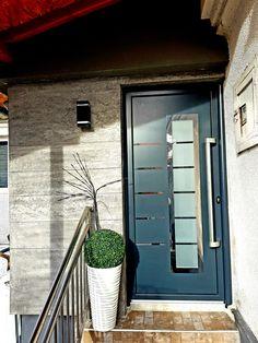 Aluminium front door ral 7016 Aluminium Front Door, Garage Doors, Outdoor Decor, Home Decor, Trendy Tree, Decoration Home, Room Decor, Carriage Doors, Interior Decorating