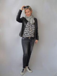 Lederjacke und Muster | women2style