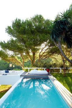 Nice pool! http://bodieandfou.blogspot.co.uk/