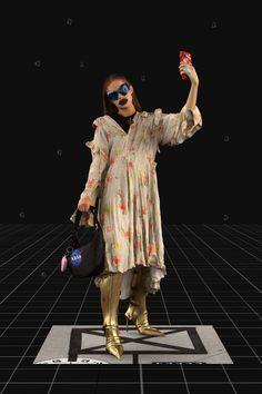 Balenciaga Fall 2021 Ready-to-Wear Fashion Show Collection: See the complete Balenciaga Fall 2021 Ready-to-Wear collection. Look 36 Fashion Week, Pop Fashion, Mens Fashion, Fashion Trends, Paris Fashion, Runway Fashion, Age Of Tomorrow, Balenciaga Store, Backstage