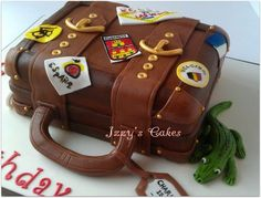 a leaving cake for a traveler! A weme suitcase cake.be cool to out flags etc from the country's that theyre visiting Cakes For Men, Just Cakes, Travel Cake, Travel Party, Beautiful Cakes, Amazing Cakes, Suitcase Cake, Cupcake Cakes, Cupcakes