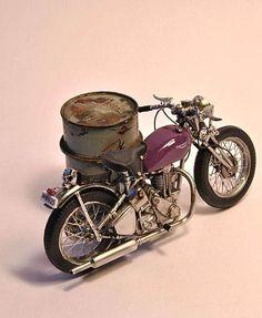 atelier de lea miniatures | Mario Rapinett - World Miniatures - Garage et atelier moto miniature ...