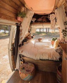 Camping Vintage, Vintage Campers, Vintage Rv, Vintage Trailers, Vintage Travel, Camper Van Life, Vw Camper, Kombi Home, Van Home