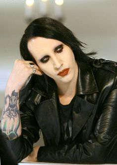 Marilyn Manson love this pic